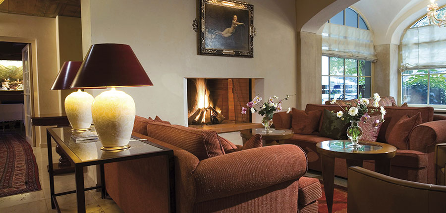 Austria_Mayrhofen_Hotel-Neuhaus_Lounge.jpg